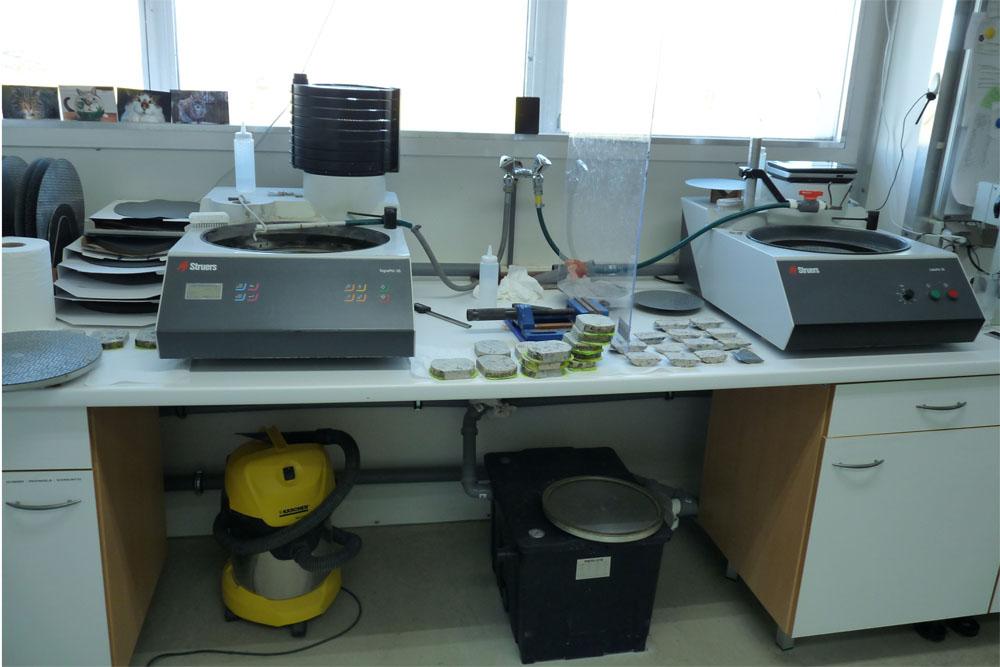 Logitech-Maschinen im Labor von mkfactory